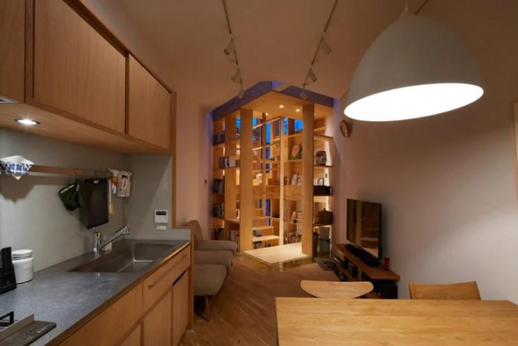 Imagen  - Una casa superestrecha en Japón que gana espacio gracias a su escalera
